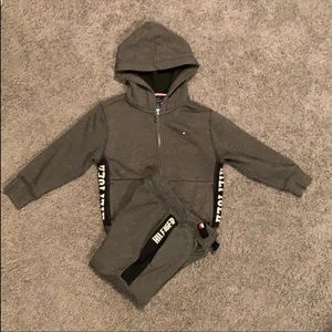 Dark gray Tommy Hilfiger logo sweat suit